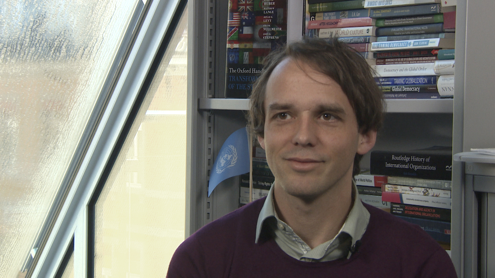 rof. Dr. Klaus Dingwerth on the significance of the Paris World Climate Agreement in a video interview.